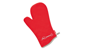Oven mitts, heat-proof mats, cloths and cooking aprons